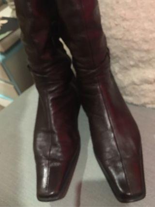 Botas altas de piel de segunda mano en León en WALLAPOP