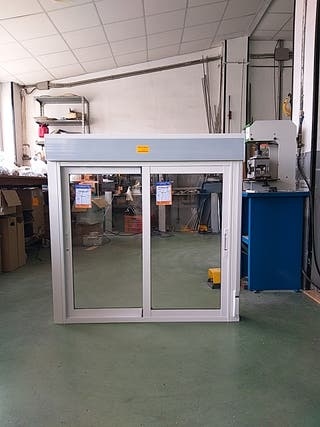 Ventana de aluminio corredera de segunda mano en wallapop for Ventanas de aluminio de segunda mano