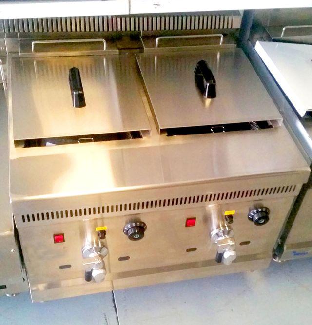 Freidora gas doble con grifo