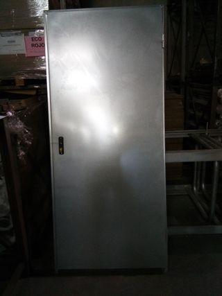 Puerta trastero de 890x2000 sin rejilla