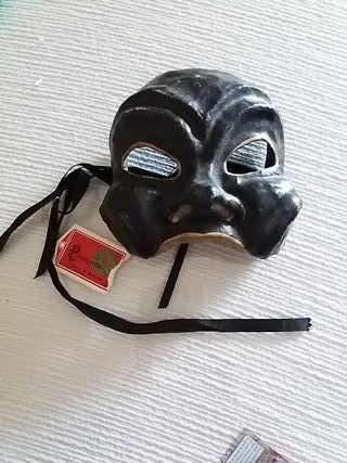 Máscara artesanal decorativa