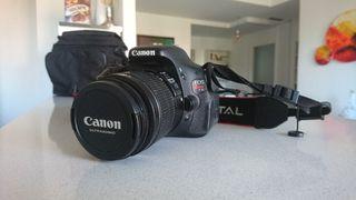 Canon EOS 600D con 2 objetivos.