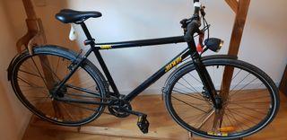 Bici urbana negra con cambio nexus de 7 velocidade