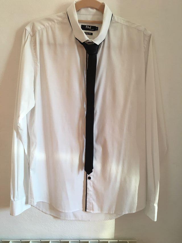 Camisa de vestir fórmul@a con corbata