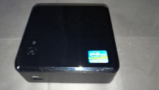 Intel Nuc i5 8gb/256 Ssd /W 10.Dc53427hye