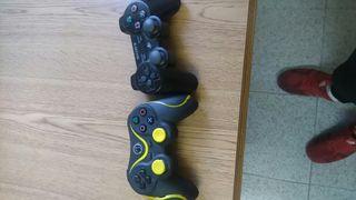 ps3 con 5 juegos y dos mandos y un controler