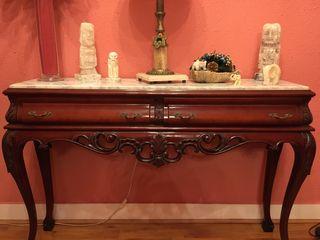 Consola madera con marmol
