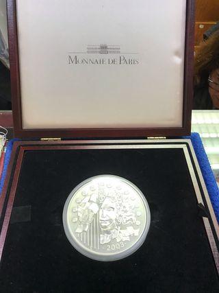 Moneda de 1 kilogramo de plata