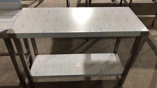 Mesa de trabajo central con estante 1200x500x850
