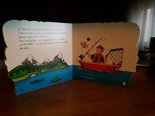 libro puzzle CAILLOU
