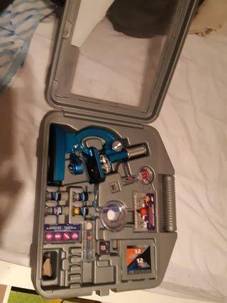 Microscopio Deluxe.