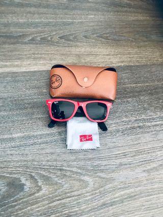 Gafas de sol Ray-Ban Wayfarer rojas