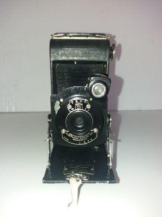 Cámara de fotos antigua de fuelle años 20