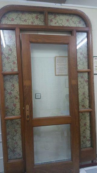 Puerta de madera de Siroco exterior