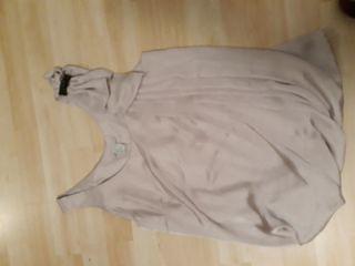 Blusa de H&M con detalle en hombro,talla 34 c