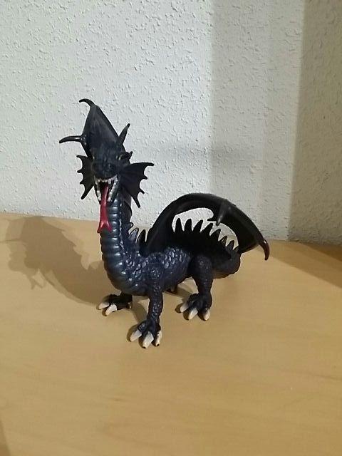 Figura de dragón