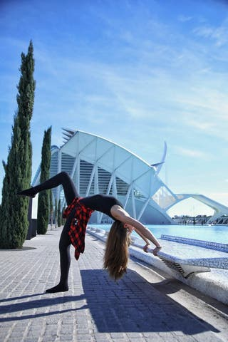 Profesora de Yoga, Meditacion con Cuencos y Gong
