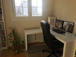 Mesa escritorio Ikea y silla de oficina muy comoda