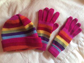 Gorro y guantes arco iris