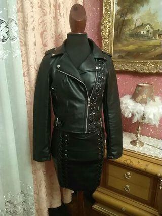 cazadora NUEVO minifalda polipiel talla M conjunto