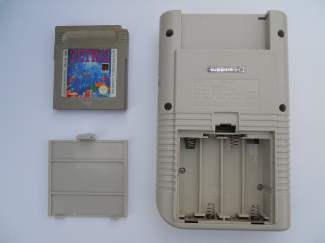 Nintendo Game Boy clásica + Tetris + Cable DC USB