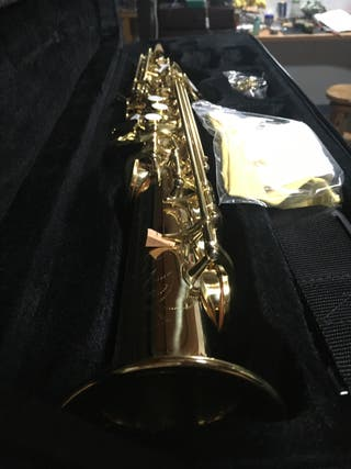 Saxo soprano recto de una sola pieza