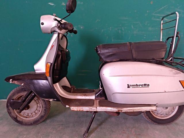 Lambretta 125 gris