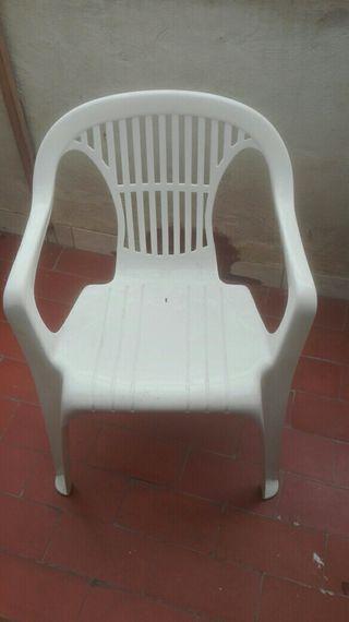 silllas de plástico
