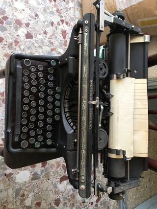 Maquina de escribir UNDERWOOD standard