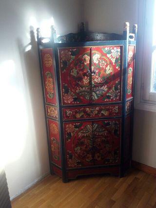 Mueble tibetano antiguo