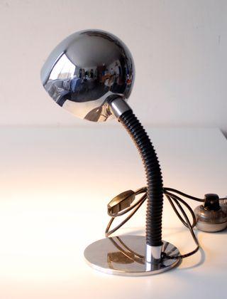 Lámpara vintage de sobremesa. Original, años 70