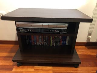 Mesa para televisión y DVD o consola