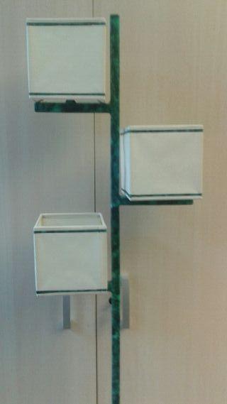 2 lamparas. De pie y techo a juego