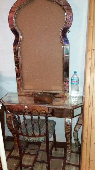 mesilla de hall con marco de espejo