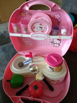 cocinita-maletin de Hello Kitty