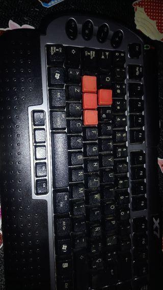 a25677b44db7 Gorra Quicksilver negra cerrada con goma alrededor de segunda mano ...