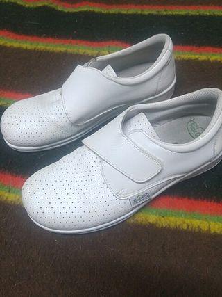 Zapatos trabajo chica