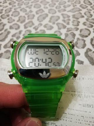 reloj adidas en perfecto estado