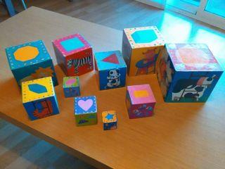 Cubos apilables de gran resistencia y figuras.