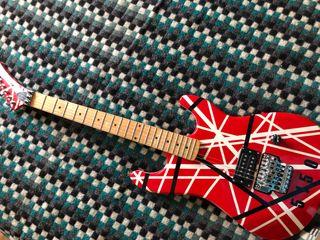 Guitarra Kramer 5150
