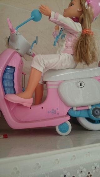 nancy con moto