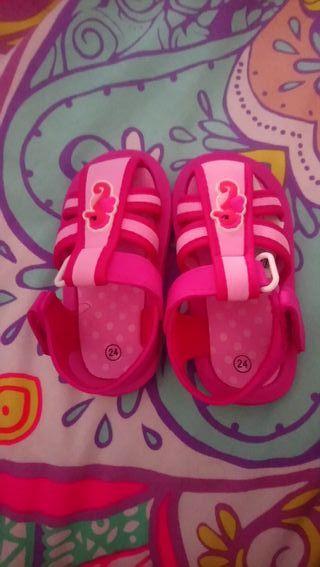 sandalias rosas niña