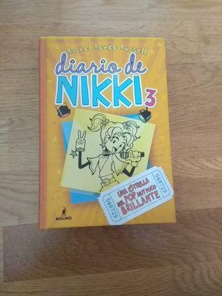 """Libro """"el diario de nikki"""" 3"""