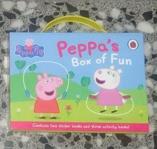 Nuevo. Peppa's Box of fun (5 libritos/inglés).