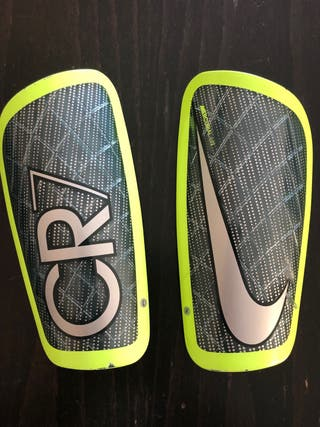 Espinilleras talla S Nike mercurial CR7