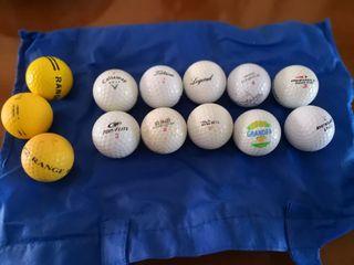 8 Bolas de Golf, y 3 bolas entrenamiento.