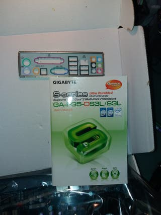 placa base + micro Q 9400+ 4 Gb RAM