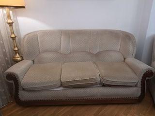 Sofa clasico (50Eur) + 2 Sillones (20 Eur cadauno)