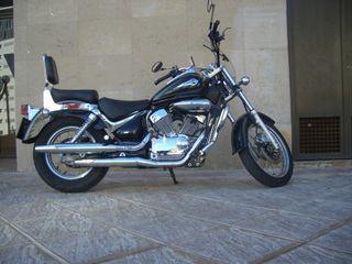 Suzuki Intruder 250LC