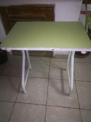 mesa vintage para tareás varias